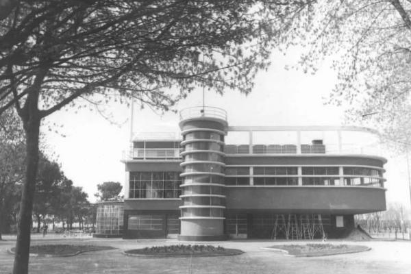 Fascismo architettura cremona societ canottieri for Architettura fascista