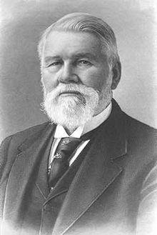 """Richard Jordan Gatling, Indiana,                                        #Médico e Inventor da """"Metralhadora Gatling"""". Falecido em 1903, aos 84 anos de idade."""