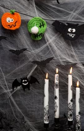 "Free pattern for ""Halloween Party Banner""!"