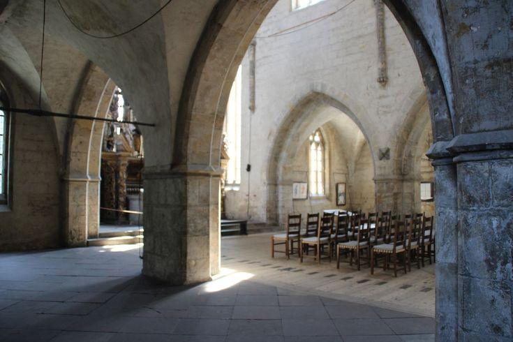 Bestühlung, Licht und Schatten #halberstadt #kirche #stmartini