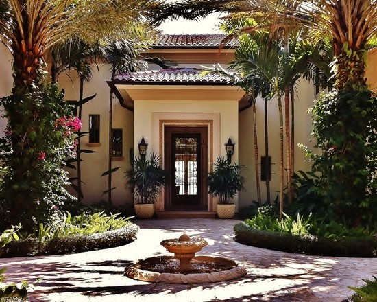 Spaces spanish courtyards homes design pictures remodel for Entry courtyard design ideas
