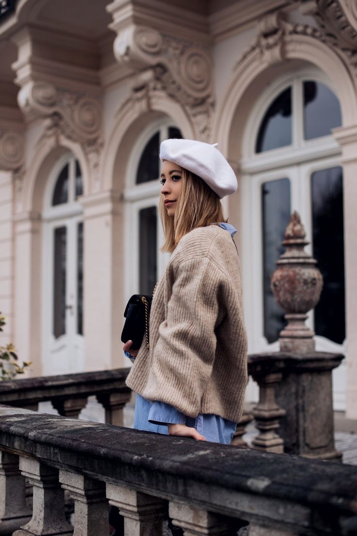 Parisian Chic Outfit, Baskenmütze, Outfit mit Baskenmütze, Mohair Pullover, Frühlingsoutfit, Fashion Trend, Layering Look, Trend Frühling 2018  http://www.stylemocca.com