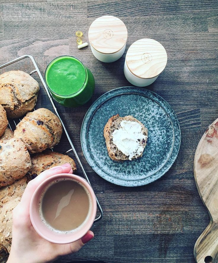 Home-baked buns recipe, accompanied by a green smoothie and your personalized NJORD supplements. Have a great day everyone!