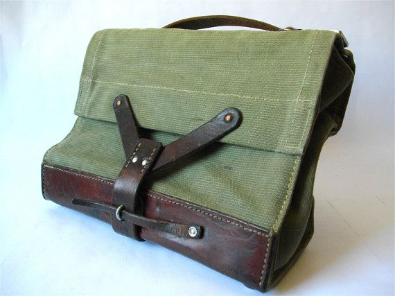 Swiss army MEDICAL BAG canvas and LEATHER. Vintage Old bag.
