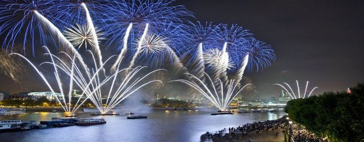 The festive season is once again on our doorstep. There's no shortage of festive events going on in London. Enjoy Christmas markets, winter festivals, Jazz festival, ice skating and more. Get amongst the wintry fun.  http://bit.ly/Zx5TIu