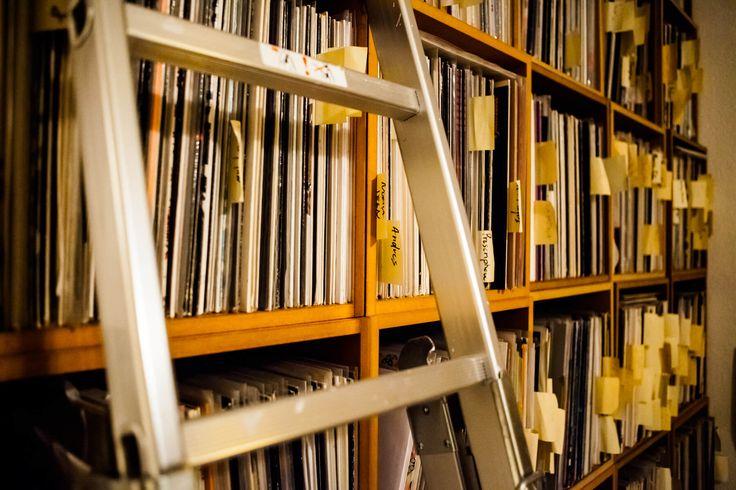 Vinyl continues to climb in 2017 despite overall fall in album sales