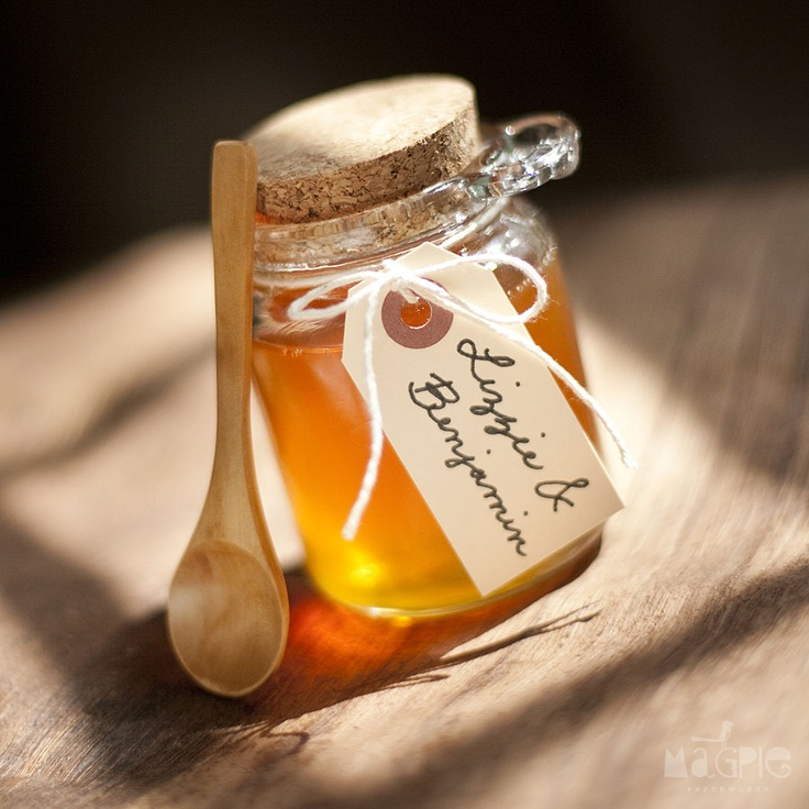 Want A Wedding Favor That Will Actually Be Used These Mini Jars Of Honey Are The PERFECT Way To Say Thanks