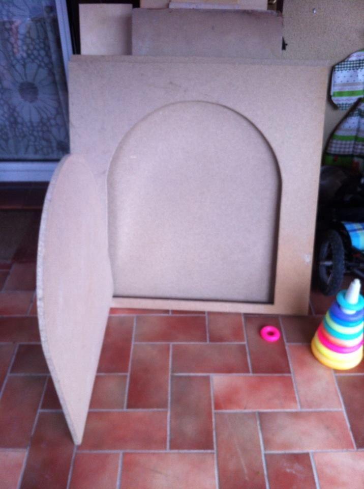 la porta  tana per bambini  : casina delle fate  the door to the den for children: little house fairy
