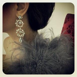 Backstage producción fotográfica para portada de Diseñoón con sarcillos de DAORO
