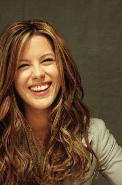 Kate Beckinsale <3 Beautiful smile <3