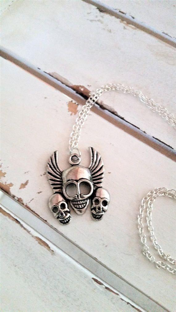 Winged skulls pendant necklace  biker/pirate/skulls metal