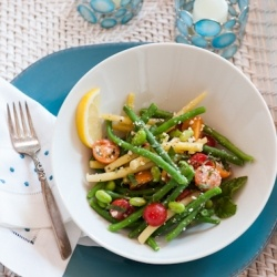 Fresh Bean & Edamame Salad is the perfect main course of side salad for a warm summer evening #foodgawker