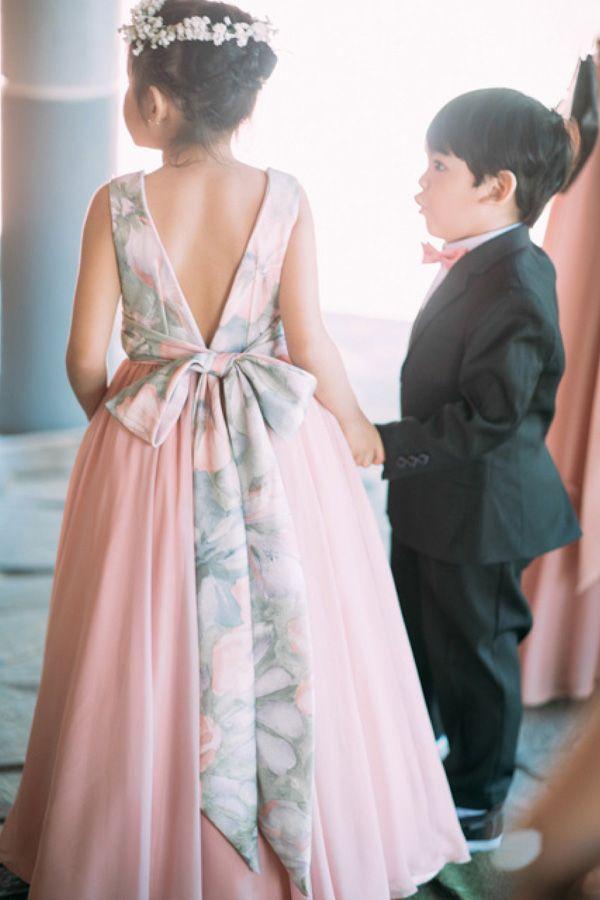 A Tagaytay Wedding with Floral and Rustic Details | https://brideandbreakfast.ph/2017/05/15/a-tagaytay-wedding-with-floral-and-rustic-details/