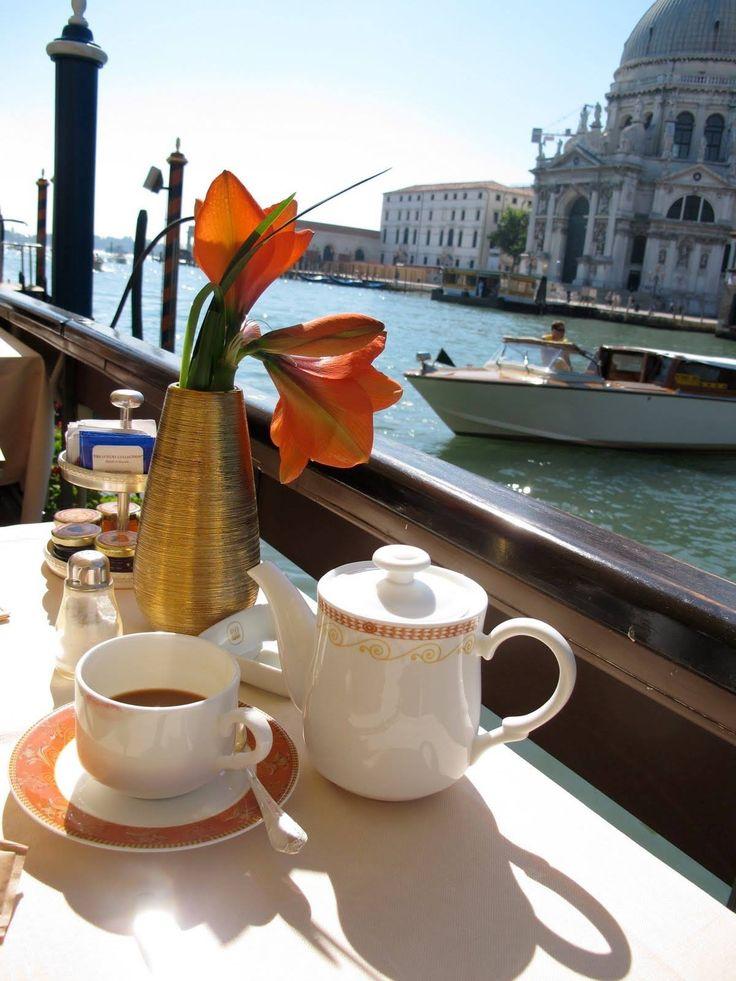 Café da manhã em Veneza.