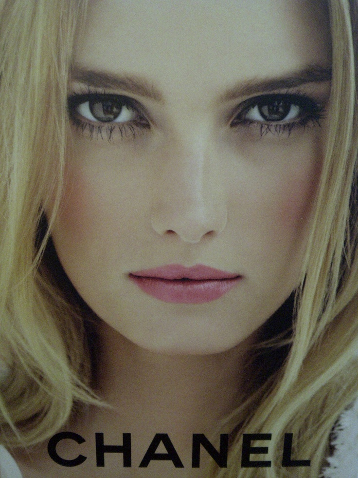 Chanel makeup perfection      http://honeybrookdelights.blogspot.co.uk/2012/04/from-chanel-with-love.html