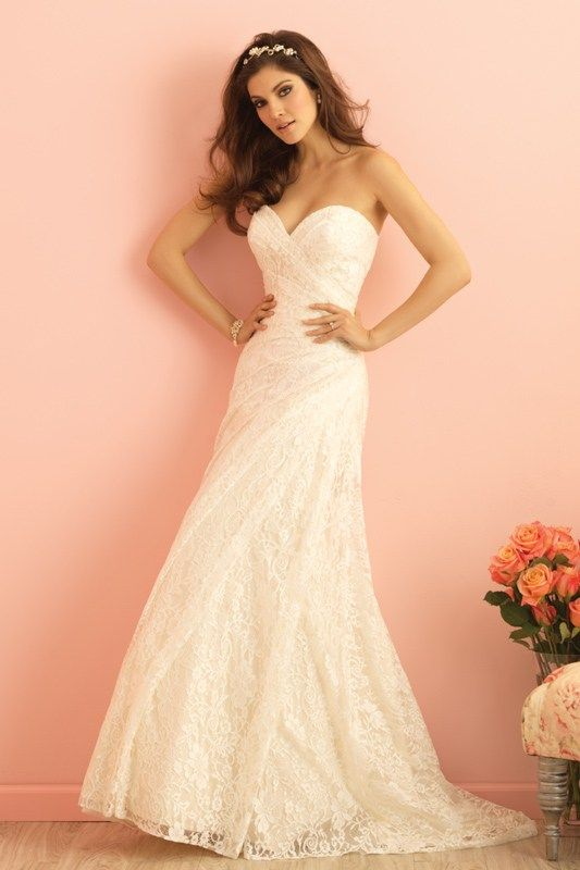 2854 Allure Romace Bridal Gown