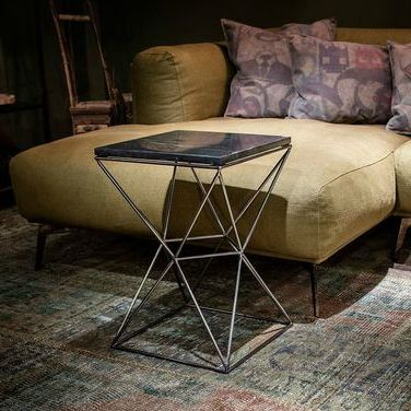 Masa cu blat din marmura si suport din metal negru, de la Versmissen