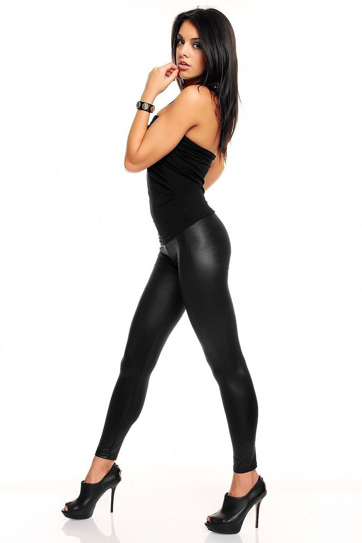 Sexy butt shinny black tights woman