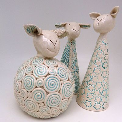   Lubilou - Handmade ceramics, sheep, chickens, brooches and other creations...