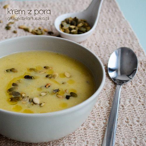 Zupa krem z pora i ziemniaków. Sycąca i bardzo smaczna, w sam raz na zimowe popołudnie.