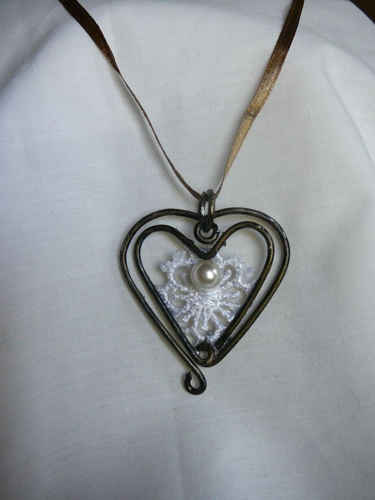 vintage wire  necklace
