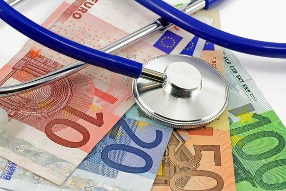 Découvrez si vous avez droit à l'Aide à la #Complémentaire Santé #ACS et trouvez les #mutuelles qui acceptent les chèques reçus.