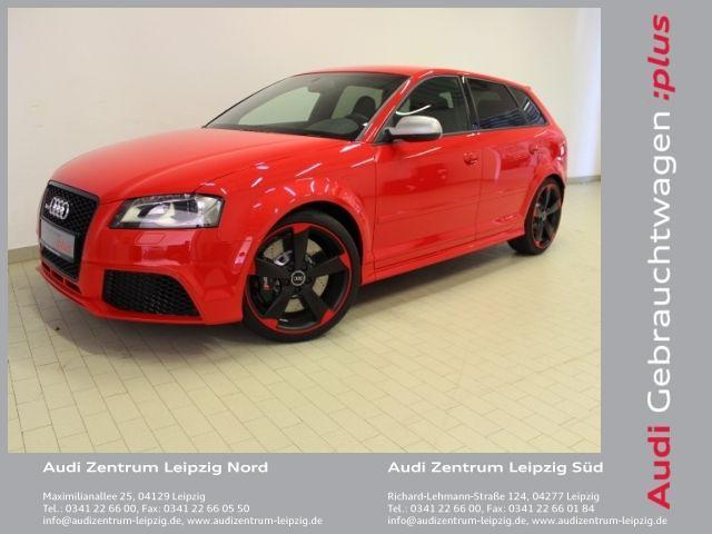 Den Audi RS3 Sportback 2.5 TFSI quattro 250 kW (340 PS) S tronic erhaltet ihr bei uns im Audi Zentrum Leipzig Süd für 56.950€. Kontaktiert uns einfach unter: 0341 226600, oder kommt für ein persönliches Gespräch mit einem unserer Verkaufsberater bei uns vorbei. Die Fahrzeugnummer ist S6541V3444. Wir freuen uns auf euren Besuch!