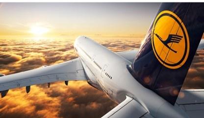 Freizeit in München: Proflight - Das Flugerlebnis: Flugzeug über den Wolken