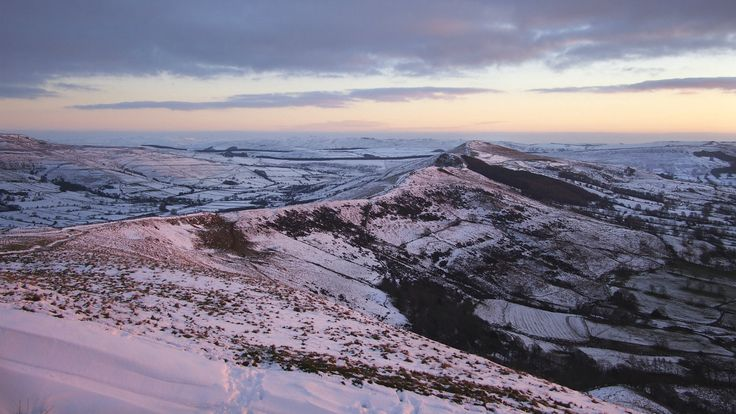 Follow this easy National Trust walking trail and savour the fantastic views revealed from Mam Tor, Peak District, Derbyshire