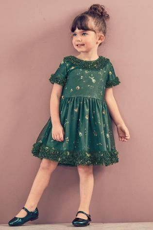 Spring wedding coming up? She'll rock the dancefloor in our gorgeous green party dress!