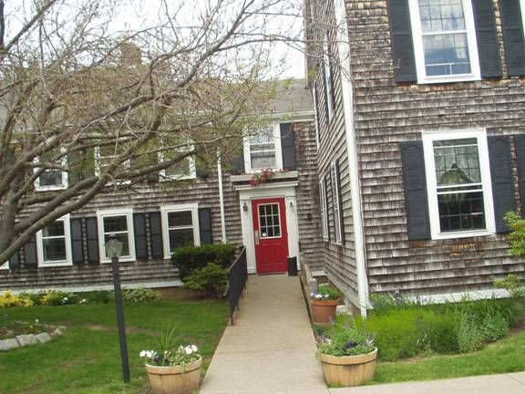 Cape Cod House Absolutely Looooooove The One For The Dream Home Pinterest Front Doors