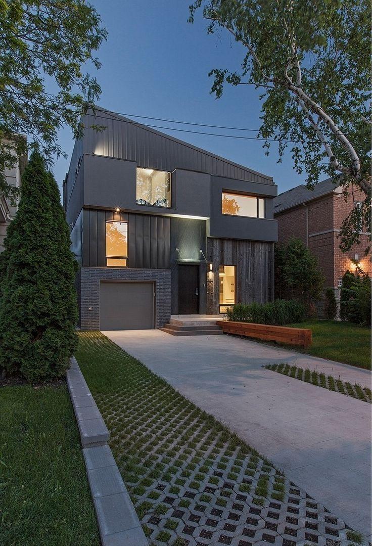 Этот современный 2628 научная фантастика трехэтажный особняк по проекту LeMaster архитекторов расположен в Лонг-Бич, Калифорния.