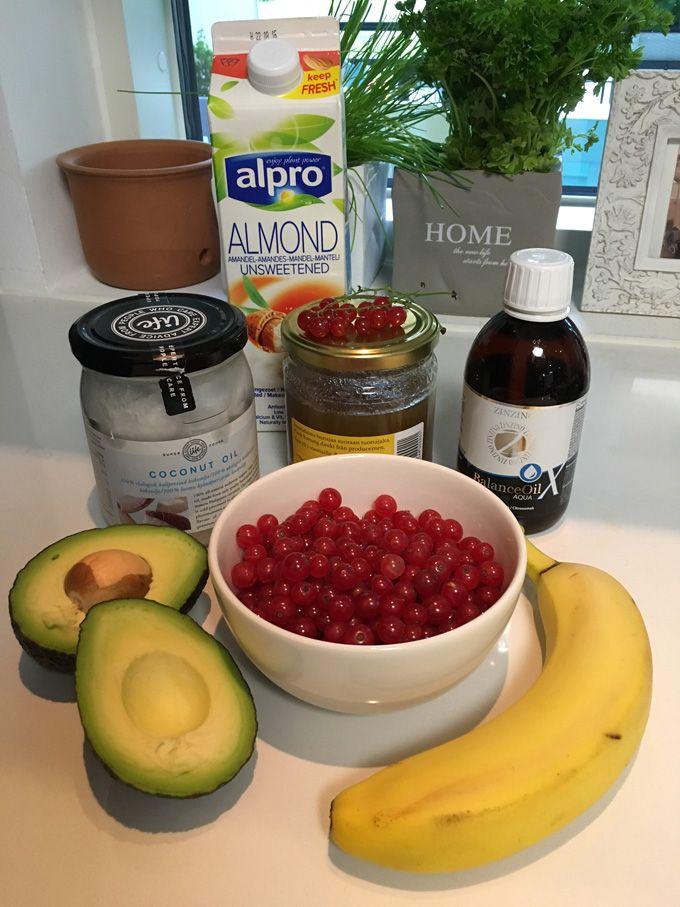 Punaherukka kalaöljy smoothie - onpas hyvää! Balanceoil, banaani, avokado, terveys, hyvinvointi, omega3