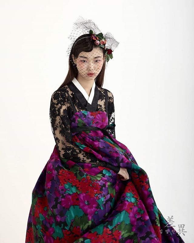 Korean traditional dress | HANBOK #ORIENTAL