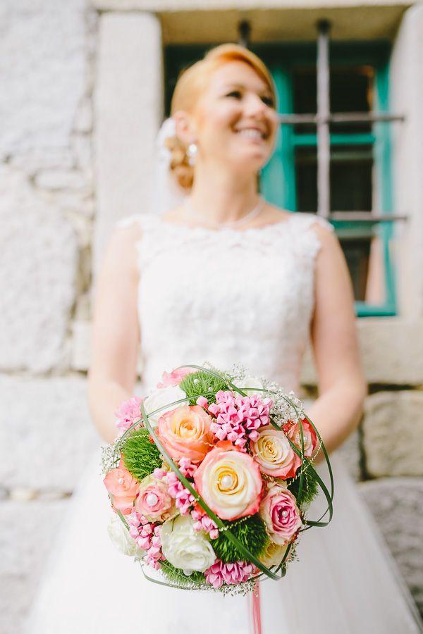 Als Hochzeitsfotograf im Landkreis Passau unterwegs, durfte ich diewundervolle Hochzeit von Barbara und Michael imGidibauer-Hof in Hauzenberg im Landkreis Passau begleiten. Eshat zwaretwas geregnet aber das tat der Stimmung keinen Abbruch. Am Nachmittag beruhigte sich das Wetter und das…