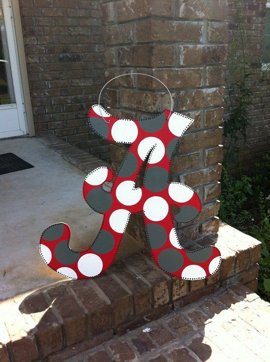 Alabama Door Hanger by DoOdLeDotsAnDmOre on Etsy, $25.00