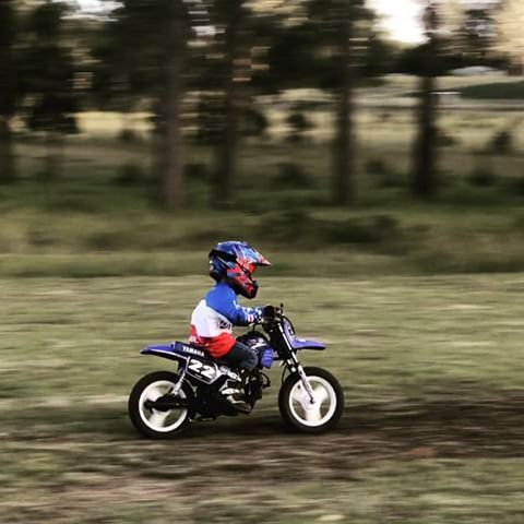 Benji hitting the little grass track today. Had heaps of fun riding with his brother ✊#3years #fox #airspc #peewee #pw50 #50cc #motokids #motokidau #yamaha #motocross #mxgp #dirtbike @yamahamotoraus @yamahamotorusa @onealracing @gromusa