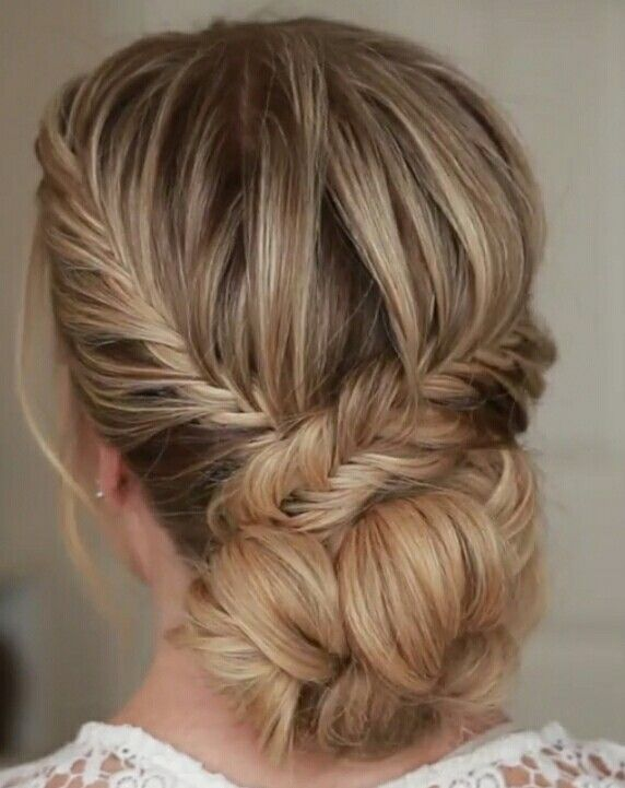 Fishtail loopy buns