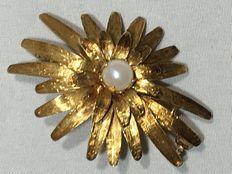 Vintage gouden sunburst broche/hanger met cultivé parel