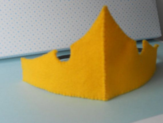 Hey, I found this really awesome Etsy listing at http://www.etsy.com/listing/95157025/sleeping-beauty-felt-crown-and-necklace