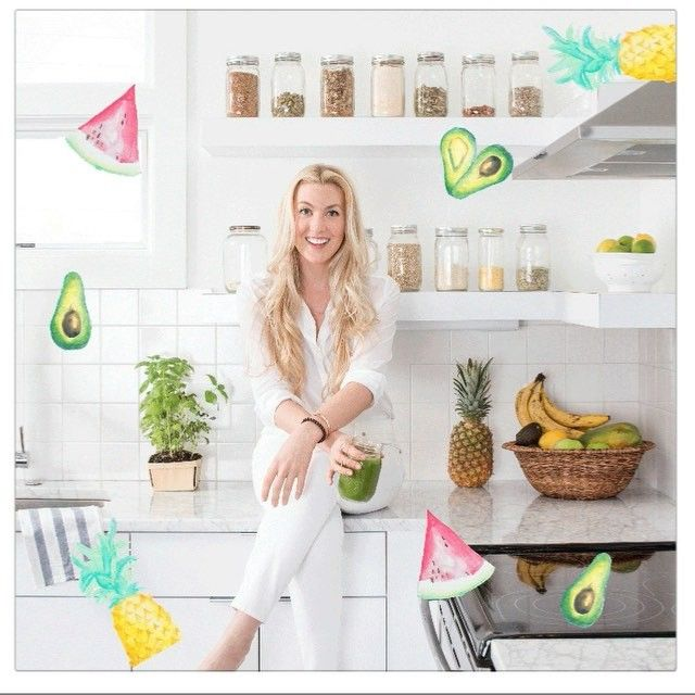 NASHVILLE WORKSHOP! I'm super excited to be hosting a back to basics workshop with @wellplacedsmile this Saturday May 8th at 10am CT -12pm CT. Get your tickets within the next 48 hours, the link in my bio! I'll be talking about how to live a healthier and happier life and demo some of my favorite recipes everyone should know how to make! ✨