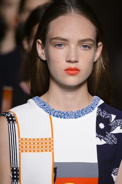 Labbra arancioni: la tendenza del momento -  V. Beckham