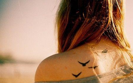 creo que amo los tatuajes de gaviotas xD! es que me dan la sensación de libertad y vida... me gusta <3