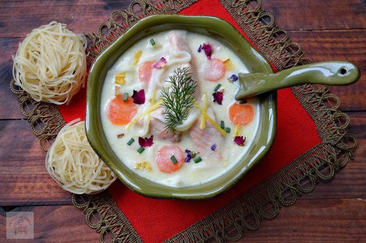 CAIETUL CU RETETE: Supa de somon