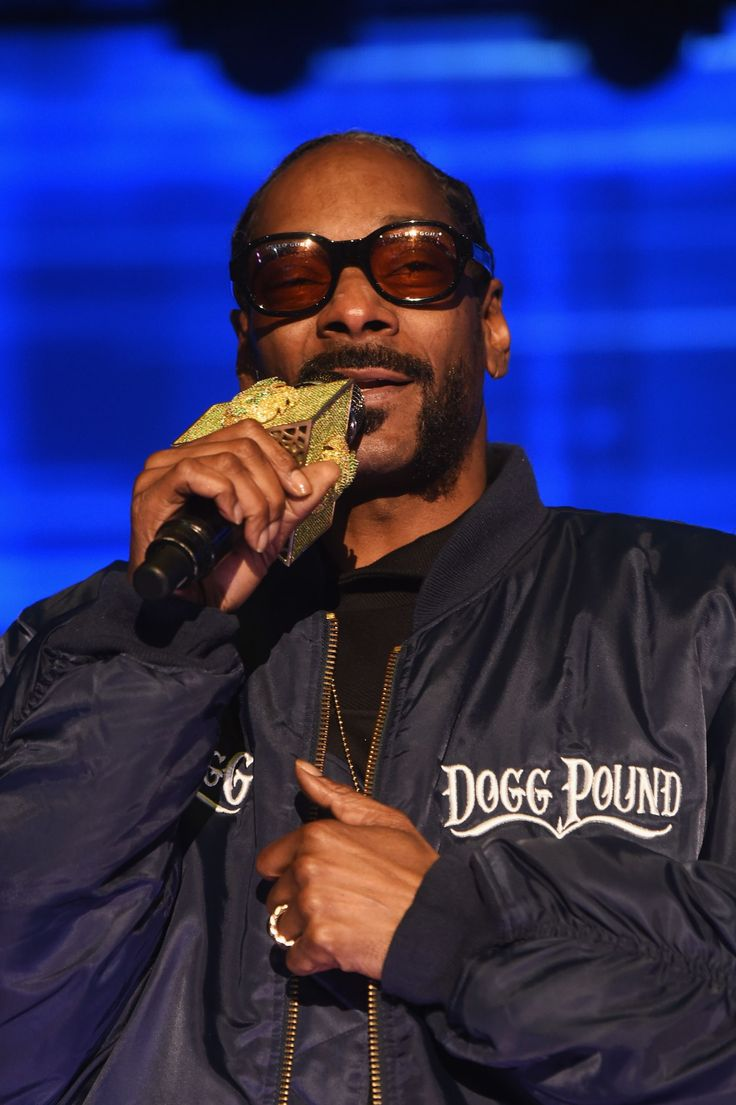 Rapper and actor Snoop Dogg is calling for a boycott of the new Roots miniseries in an expletive-filled social media post. LOVE HIS POV!!!