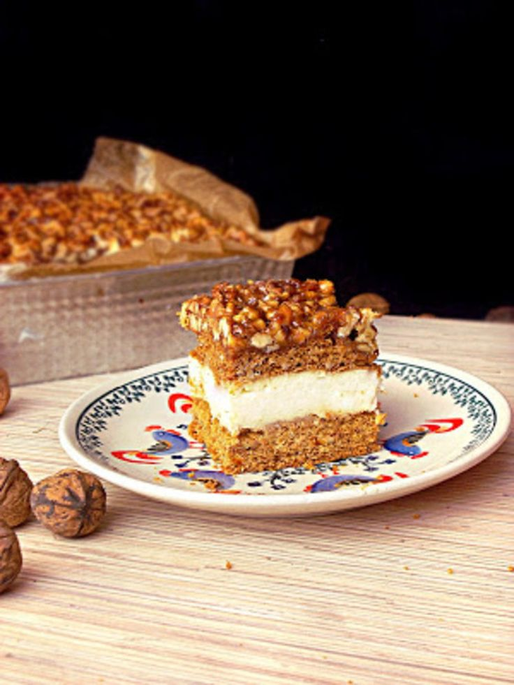 Ciasto miodowo- orzechowe z kremem budyniowym