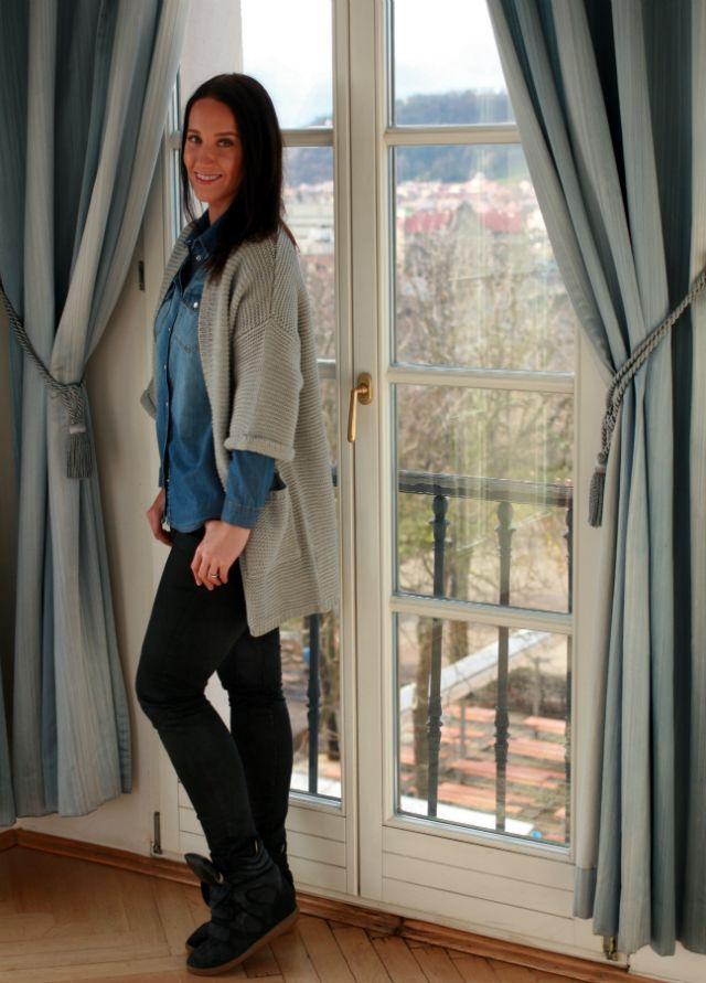 Krásná Gábinka v krásném prostředí a krásném svetru! Pro více inspirace sledujte její blog www.moraebionda.com #modino_cz #modino_style #budtein #fashion #style #beauty