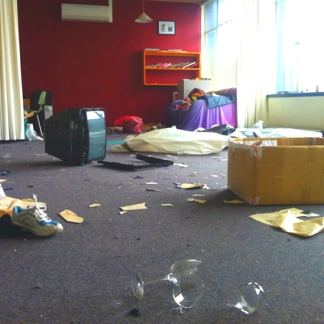 The old studio.... Still not allowed access to this building so it's still a big mess!
