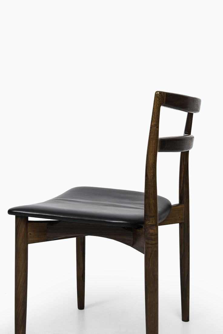 Harry Østergaard dining chairs model 61 in rosewood at Studio Schalling