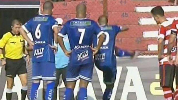Brazilian #SoccerPlayer Kicks# Snake Off #Pitch And Into A Group Of Supporters. #Brazil #BrazilSoccer #soccergames #animalsinsoccer #soccerfield #onthepitch #soccerfans #fans
